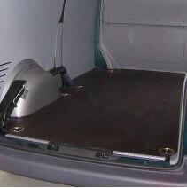 Plancher bois antidérapant Volkswagen T5. Avec barres de seuil et coupelles de finition.