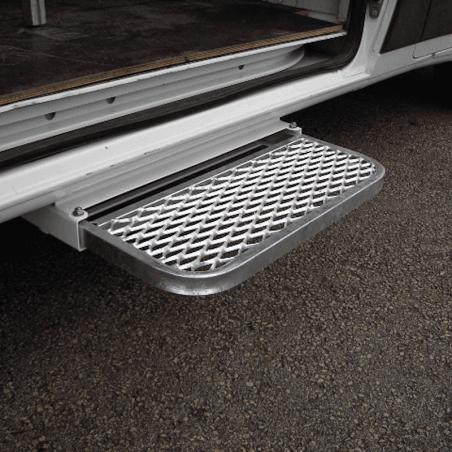 Marchepied latéral rétractable - Ford Transit - avec marche en métal déployé