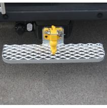 marchepied fixe pour véhicule utilitaire avec ferrure d'attelage - 660 x 160mm